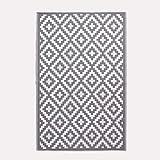 HOMESCAPES White & Grey Outdoor Rug for Garden or Patio 100%...